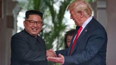 Трамп вылетел на встречу с Ким Чен Ыном