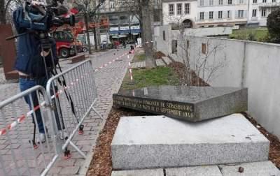 Во Франции вандалы разрушили еврейский памятник