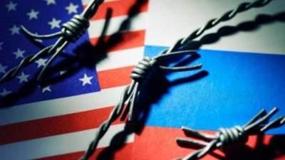 Трамп принял решение продлить санкции против России