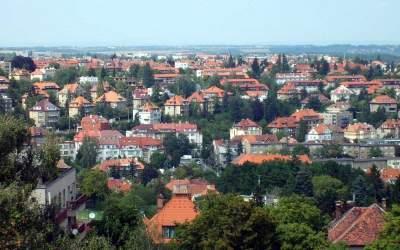 Посольство РФ в Чехии сдает в аренду квартиры для дипломатов - СМИ