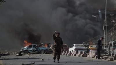 В Кабуле от серии взрывов ранен кандидат в президенты