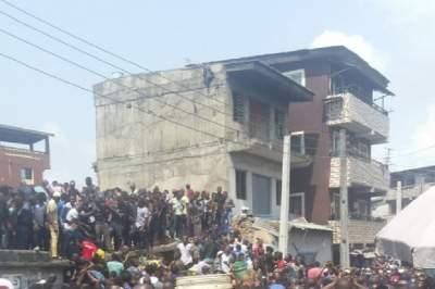 В Нигерии рухнула школа: более 100 человек под завалами