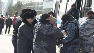 В Астане задержали десятки противников переименования города