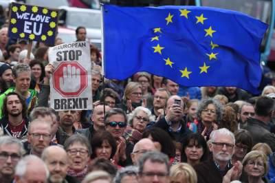 Десятки тысяч лондонцев протестуют против Brexit