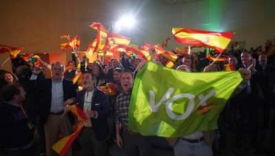 В Испании сепаратисты столкнулись с полицией на митинге ультраправых