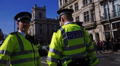 В Британии мужчина с ножом напал на прохожих