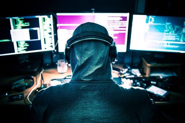 Воровал через Apple ID: Хакер 3 года жил на украденные из iPhone деньги знаменитостей