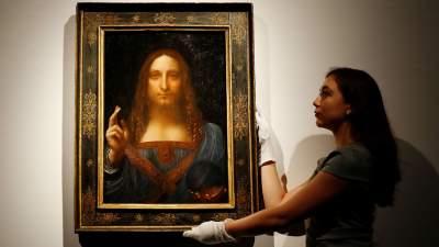 Из Лувра исчезла самая дорогая картина в мире