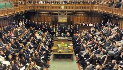 В Великобритании во время дебатов в парламенте потекла крыша