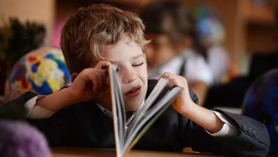 В лондонской школе ребенка-аутиста заставили носить спецодежду