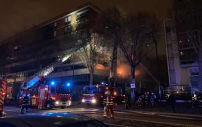 В Париже произошел сильный пожар в многоэтажном доме