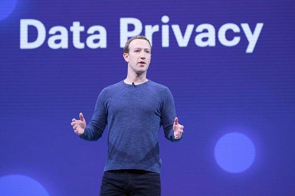 Facebook по-прежнему не позволяет очистить историю аккаунта