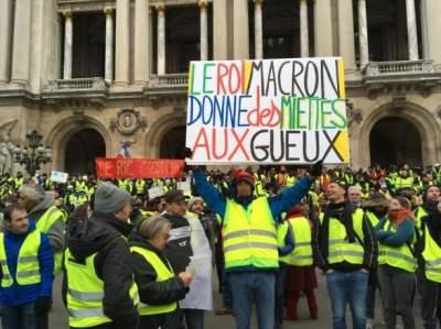 Во Франции вступил в силу закон по борьбе с хулиганами