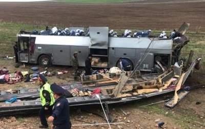 В Казахстане перевернулся автобус: 11 погибших
