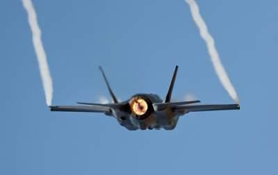 Американские военные впервые применили в бою новый истребитель
