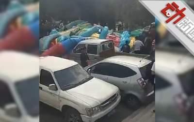 Торнадо опрокинул батут с детьми в Китае, есть погибшие
