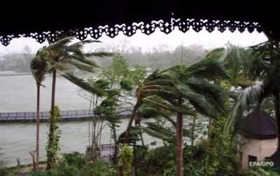 Ураган в Мьянме разрушил 800 домов