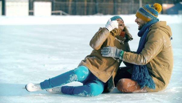 Падать не страшно: ТОП-5 глупых мелочей, которые выдают «профана» на ледовом катке